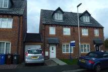 3 bed semi detached house in Summercroft Close...