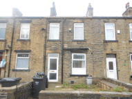 3 bedroom Terraced property in Bubwith Grove, Halifax...