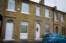 Terraced house to rent in Victoria Street...