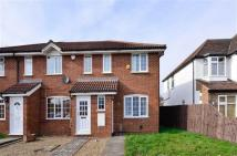 2 bedroom End of Terrace property to rent in Angus Drive...
