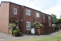 Maisonette to rent in Widenham Close, Pinner