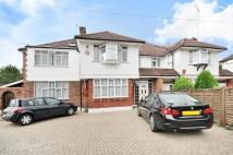 6 bedroom house to rent in Longland Drive...