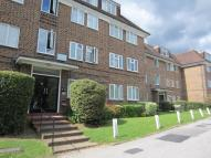 3 bedroom Apartment in High Road North Finchley...