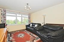 Apartment to rent in Nether Street Finchley N3