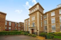 Apartment to rent in Royal Drive Friern...