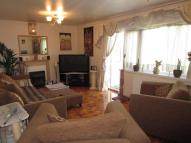2 bedroom Flat to rent in Cross Road New Southgate...