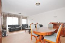 2 bed Apartment in Oakleigh Park North...