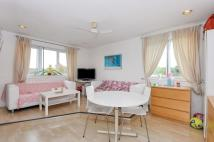 Flat to rent in Silver Birch Close...
