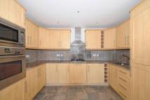 3 bedroom Flat in Royal Drive...