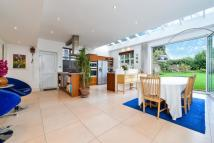 4 bed Detached property in Chalgrove Gardens...