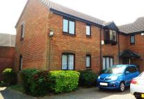 Flat in Squires Close