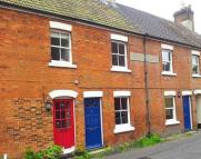 2 bed property in New Street, Ringwood...
