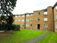 Flat to rent in Aldergrove Gardens...