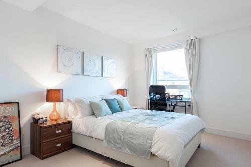 667_bedroom.jpg