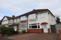 3 bedroom semi detached house to rent in Durham Road,  Feltham...