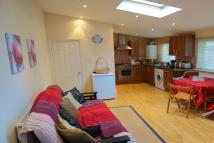 Flat to rent in Twickenham Road...