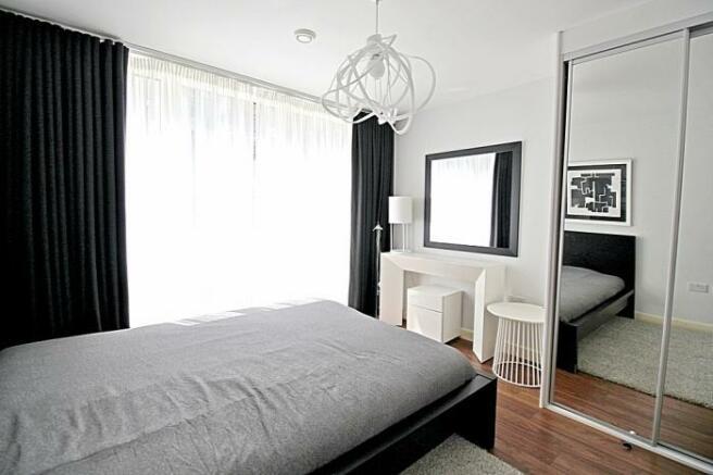 880_bedroom2.jpg