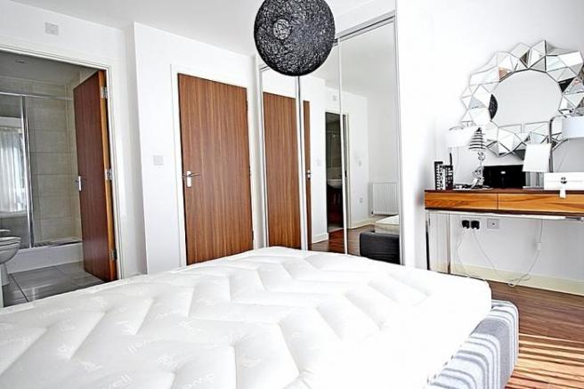 880_bedroom1.jpg