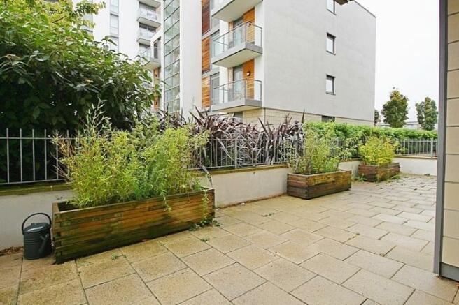 1048_patio garden.jpg