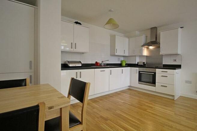 1048_kitchen.JPG