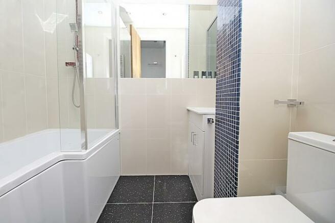 1100_bathroom 2 a.JPG