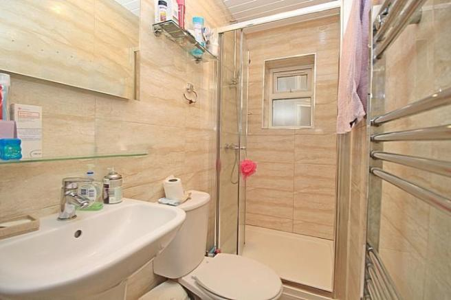 1101_shower romo.JPG