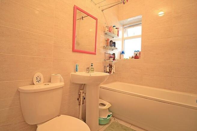 1108_bathroom.JPG