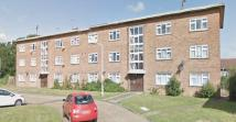 2 bed Apartment in Cranbrook Road, Ilford