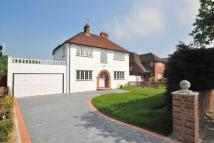3 bed Detached house in Grove Park Road, London...