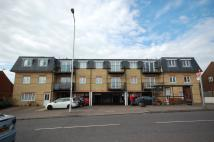 2 bedroom Flat to rent in Manford Way, Chigwell...