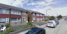 Ground Flat to rent in Margaret Way, Ilford, IG4