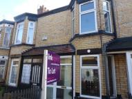 2 bed Terraced house to rent in Park Avenue...