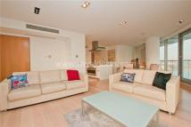 3 bed Apartment in New Providence Wharf...