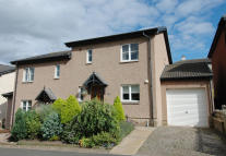 3 bedroom semi detached home to rent in 71 Springwood Rise...