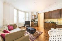 Flat to rent in Castletown Road, London...