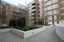 3 bed Apartment to rent in Bromyard Avenue, London
