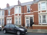 3 bed Flat in Wingrove Avenue, Fenham...