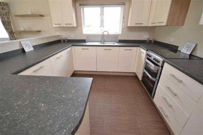 3 Bedroom Park Home For Sale In Thorpe Holiday Centre
