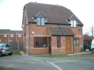 2 bed semi detached house in Dean Close, Rossington...