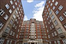 Apartment to rent in Hall Road, St Johns Wood...