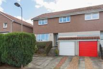 3 bedroom semi detached property in 97 Curriehill Castle...
