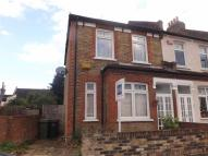 3 bed End of Terrace property in Heather Road, Lee