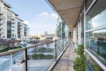 2 bedroom Apartment in Battersea Reach, SW18