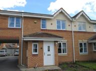3 bedroom Town House to rent in Brahmam Croft Wombwell