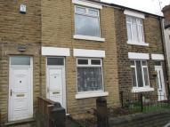 2 bed home in Vicar Road...