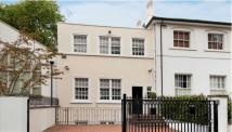 3 bedroom Town House in Greville Place...