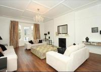 4 bed Flat to rent in Belsize Square...