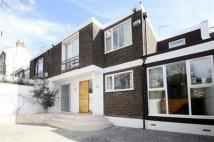 Terraced property to rent in Loudoun Road...