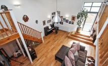 2 bedroom Mews in Goldhurst Terrace...