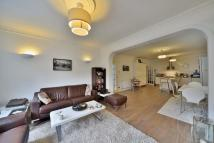 3 bed Flat to rent in Chatsworth Road...